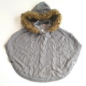 GUC Girl's Grey Cable Knit Hooded Sweater Poncho